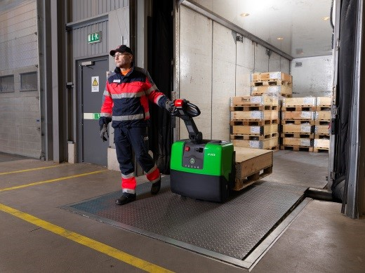 cesab powered pallet truck p113